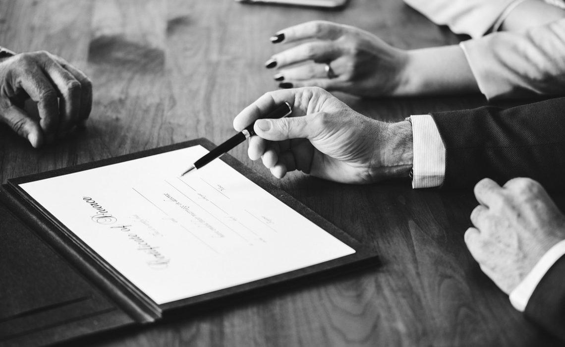Comment se déroule la procédure de divorce sans juge?