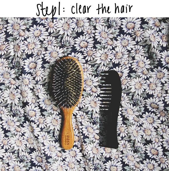 Comment nettoyer une brosse à cheveux en bois?