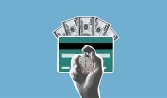Une carte de crédit et des billets