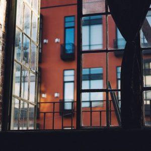 Une fenêtre ouverte