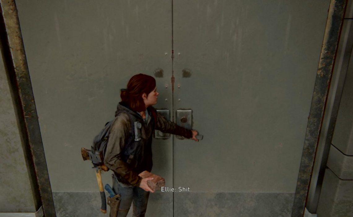 Comment ouvrir la porte verrouillée avec une clé derrière?
