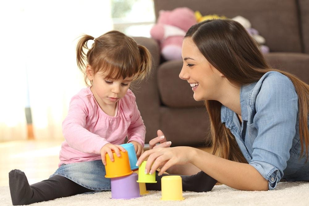 Quels sont les avantages de faire appel à une babysitter ?
