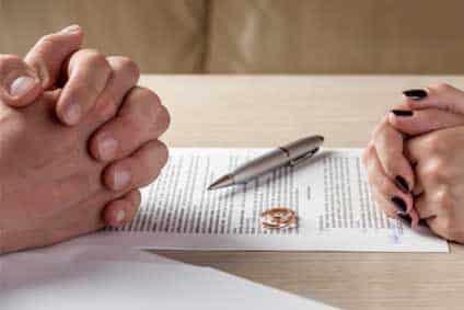 Pourquoi les divorces deviennent-ils de plus en plus nombreux ?