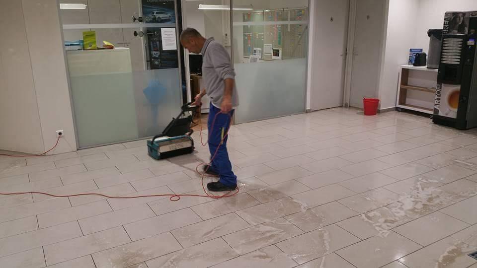 En quoi consiste le nettoyage industriel ?