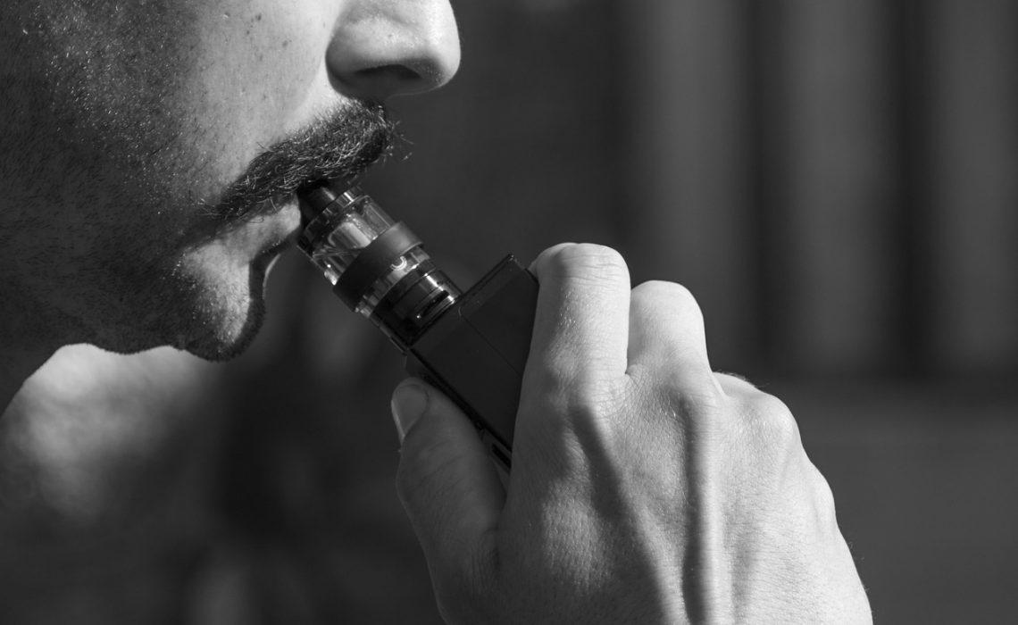 Cigarettes et alcool : comment les jeunes Français diffèrent des générations précédentes